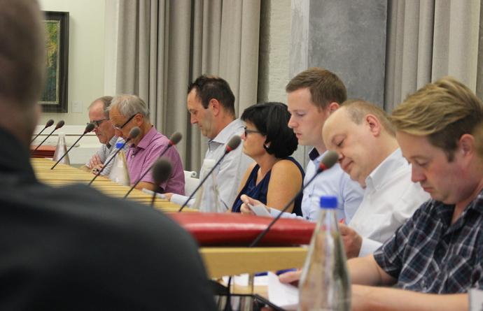 Philippe Bille en Nik De Clercq leggen eed af als gemeenteraadslid
